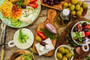THUMBNAIL_Fotolia_85242794.greekfood